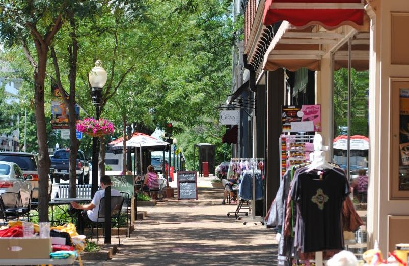 Downtown Jefferson City Sidewalk Sales